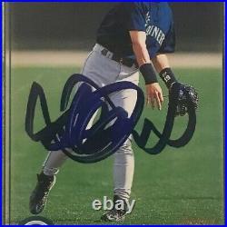 2001 Topps ICHIRO SUZUKI Signed Autographed Rookie Baseball Card PSA/DNA Mariner