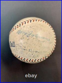 Babe Ruth PSA/DNA 1924 Yankees Team Signed Baseball New York Autograph Ball