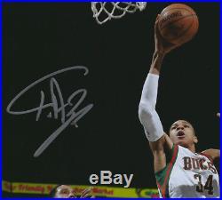 Giannis Antetokounmpo signed Milwaukee Bucks autographed 8×10 auto photo  PSA DNA 2fe1697f1