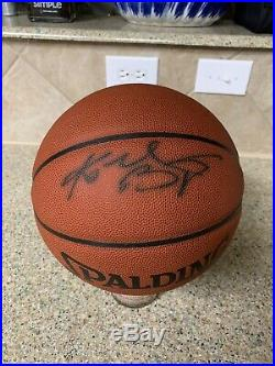 Kobe Bryant Los Angeles Lakers Autograph Basketball Psa Dna Sticker Only