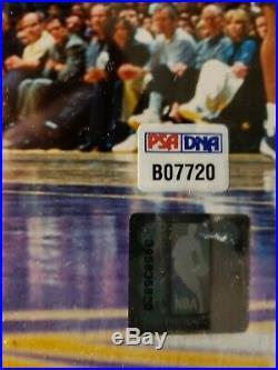 Kobe Bryant Signed 16x20 Photo Autographed AUTO PSA/DNA COA Lakers
