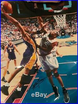 Kobe Bryant Signed 16x20 Photo PSA/DNA AND GAI Dual COA! Autographed Lakers HOF