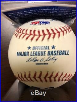 Reggie Jackson Signed Baseball Autographed AUTO PSA/DNA 9 MINT Yankees A's HOF
