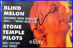 Vry Rare Kurt Cobain Grohl Novoselic Nirvana Signed Autographed Magazine PSA/DNA